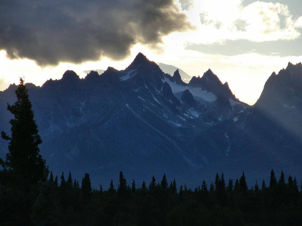 Tokosha Peaks at sunset from South Denali Viewpoint