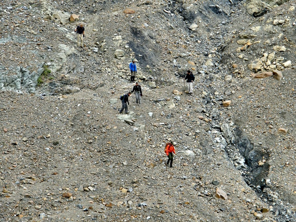 Descending the lateral moraine at the beginning of a transect.